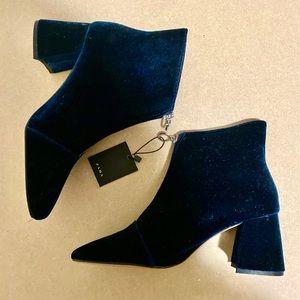 Navy blue velvet booties